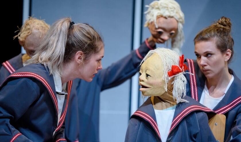 <p>De voorstelling &#39;Hoe Mieke Mom haar maffe moeder vindt&#39; is te zien in de herfstvakantie. Foto: Joep van Aert</p>