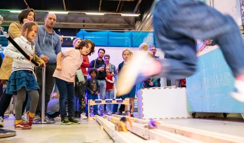 <p>Tijdens een vorige editie van de Maker Faire.&nbsp;</p>
