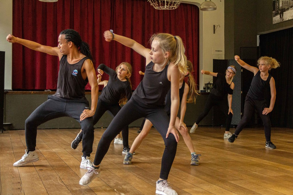 Dans workshops van musicalster Maickel Leijenhorst. Foto: Joyce van Onzenoort © DPG Media