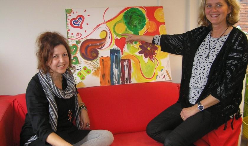 Gigliola Spikker en Petri van Mulekom (r.) kijken uit naar de eerste bijeenkomst over kindertekeningen met Lisa Borstlap.