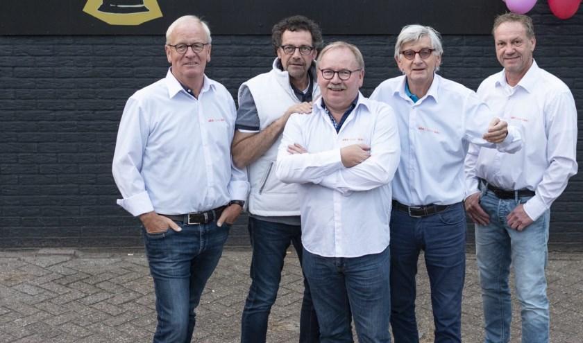 Ben Stroot, Gerrit Smelt. Theo Brokelman, Jan Schefer en Bennie Schuurman. Niet op de foto: Attie Bosman.