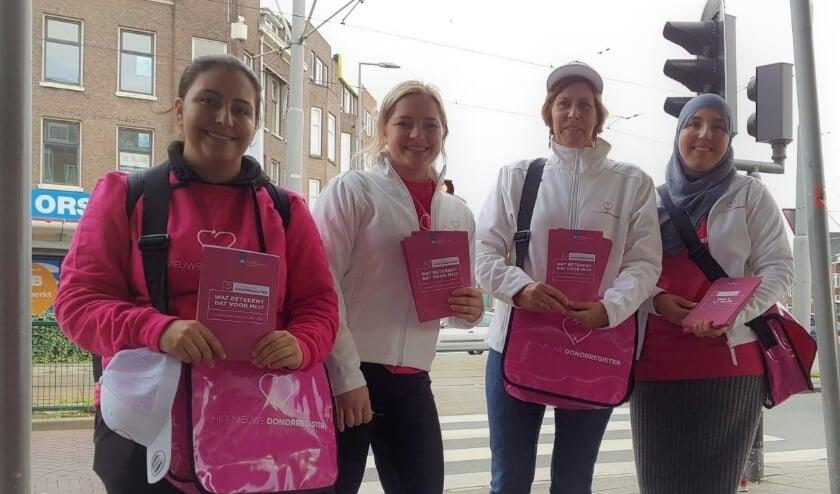<p>Een voorlichtingsteam in actie tijdens de Week van het Donorregister.</p>