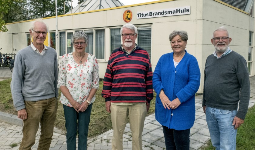 V.l.n.r. Reinhard Crommelin, Jeanne van Loon, Jan den Hartog, Nel Hilkhuijsen en Ben Besselink. (foto Auke Pluim)