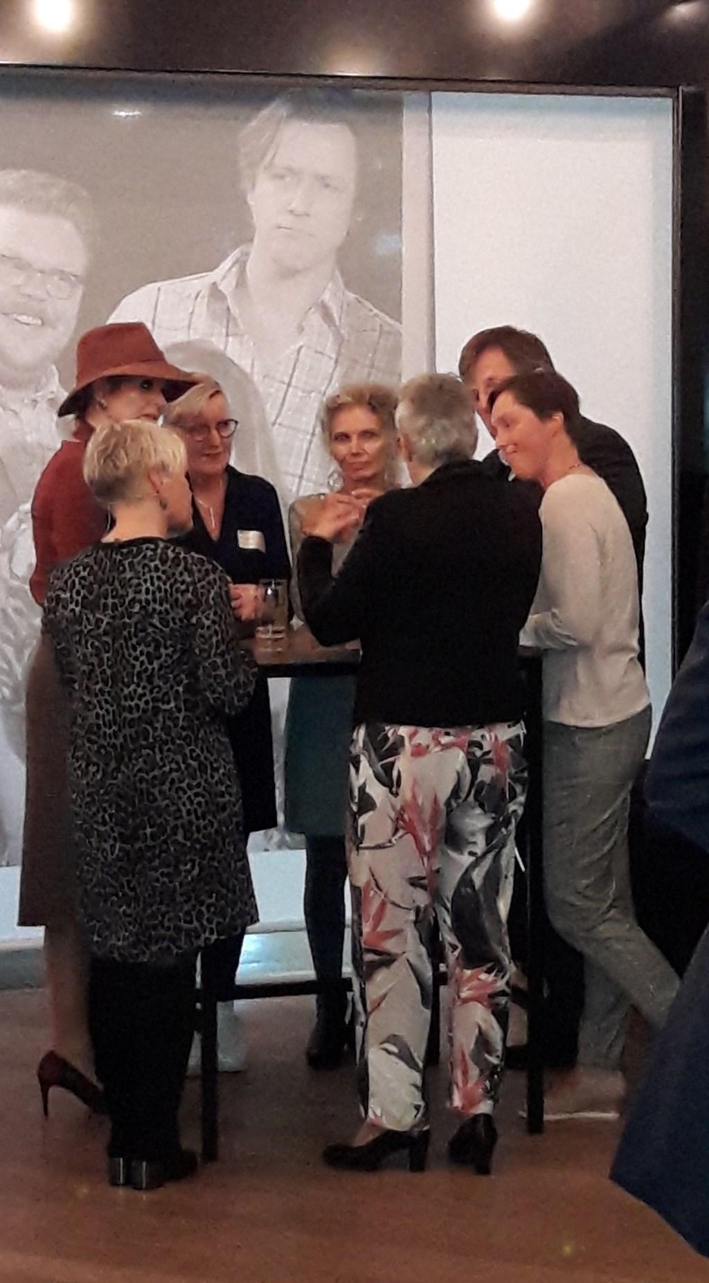 Koningin Máxima in gesprek met vrijwilligers