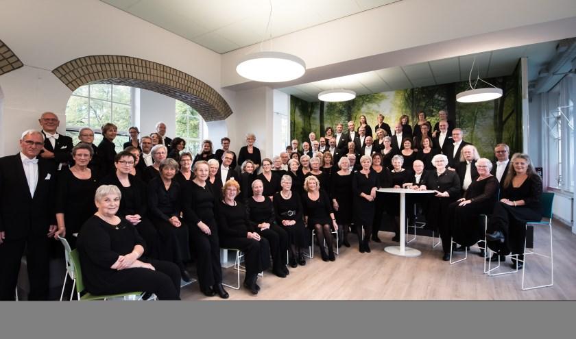 Goede zangers zijn altijd welkom bij Kempenkoor. Zij kunnen vrijblijvend een keer binnenlopen op maandagavond in gemeenschapshuis D'n Bond waar het koor repeteert van 19.45 tot 22.15 uur. FOTO: Paul Beelen.
