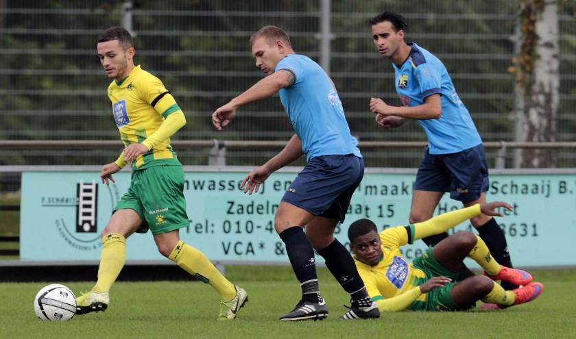 Rijnmond Hoogvliet Sport boekte zaterdag de derde zege in de competitie, door FC Vlotbrug terug te wijzen (foto: John de Pater)