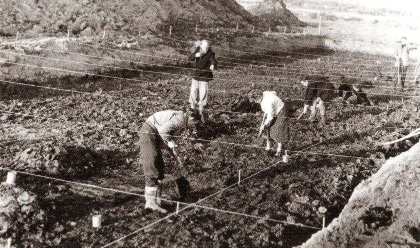 Leden van Helinium tijdens een opgraving aan de Arij Koplaan eind jaren '50.