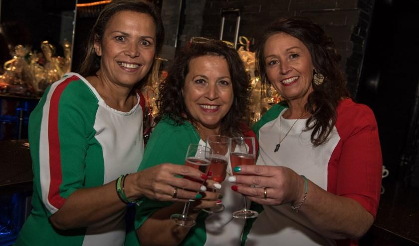"""Gabriëlla Aloise, Gina Agus en Bruna Poddi: """"De avond is voor iedereen die van Italië en de Italiaanse sfeer houdt."""""""