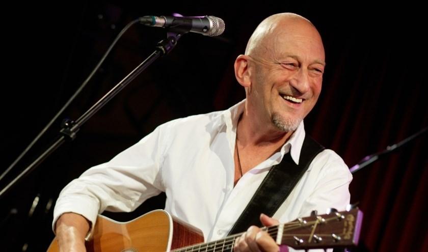 Zanger Gerard van Maasakkers verzorgt samen met De Vriendschap een aantal nummers tijdens het jubileumconcert op 26 oktober.