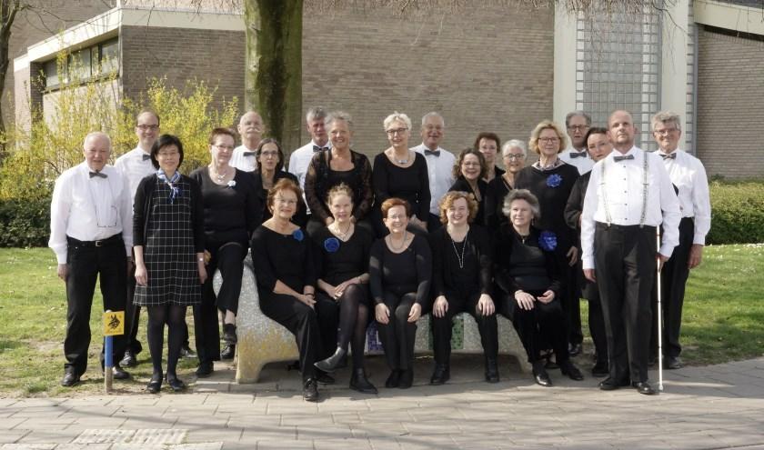 Het Veldhovens Kamerkoor maakt zich op voor een jubileumconcert.