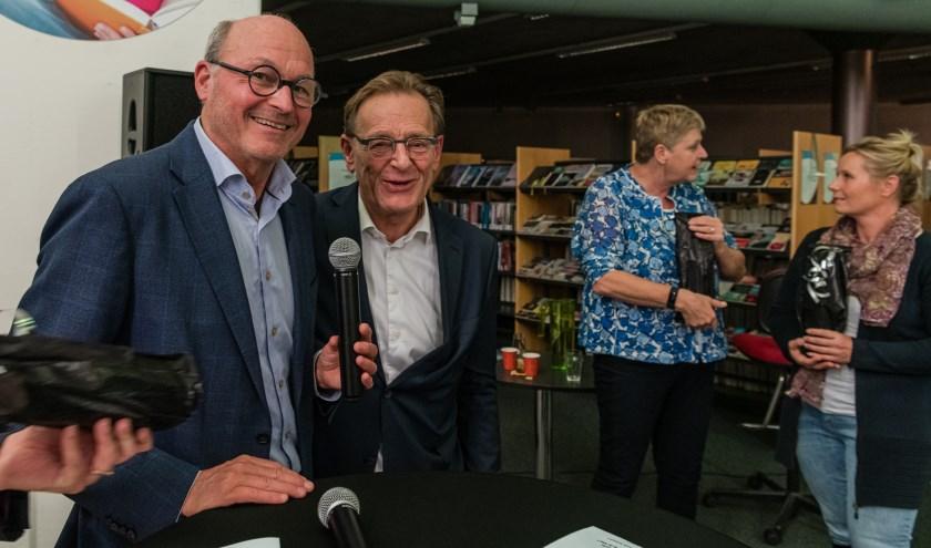 Debatleider Job Boot met burgemeester Koos Janssen.