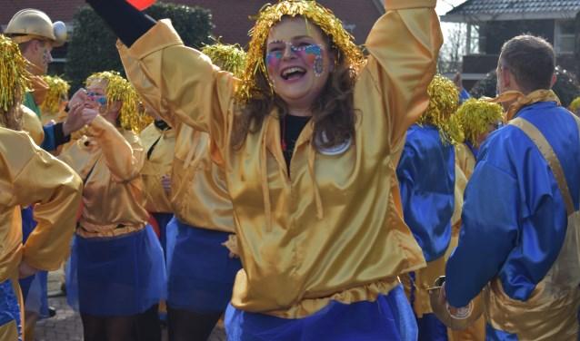 Buurtvereniging Beuseberg is altijd in vol ornaat present bij de carnavalsoptocht in Holten. (Foto: Van Gaalen Media) Foto: Jolien van Gaalen © DPG Media