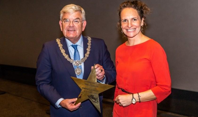 Burgemeester Jan van Zanen en Country Manager BOSM Kinepolis Jacqueline Aarts