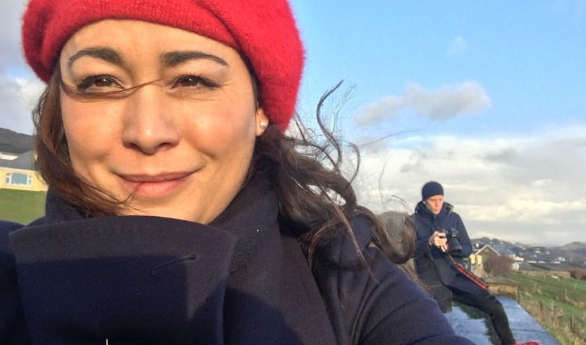 """Jet op vakantie met haar man in Ierland. """"Toen ik nog reisprogramma's voor RTL maakte en terug reed vanaf Schiphol... Als ik dan Rotterdam weer zag liggen kwam ik pas écht thuis."""""""