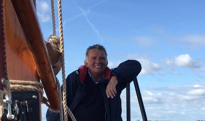 Gerard is ook actief als schipper op de Enterse Zomp en heeft inmiddels het vaarbewijs gehaald. (Eigen foto)