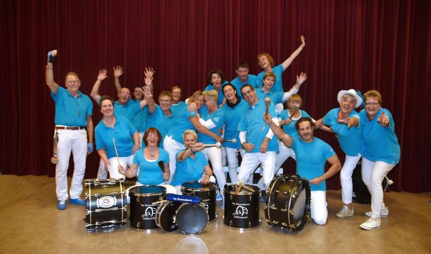 De Bommelero's begonnen twintig jaar geleden als vriendengroep die samen sambamuziek wilde maken.