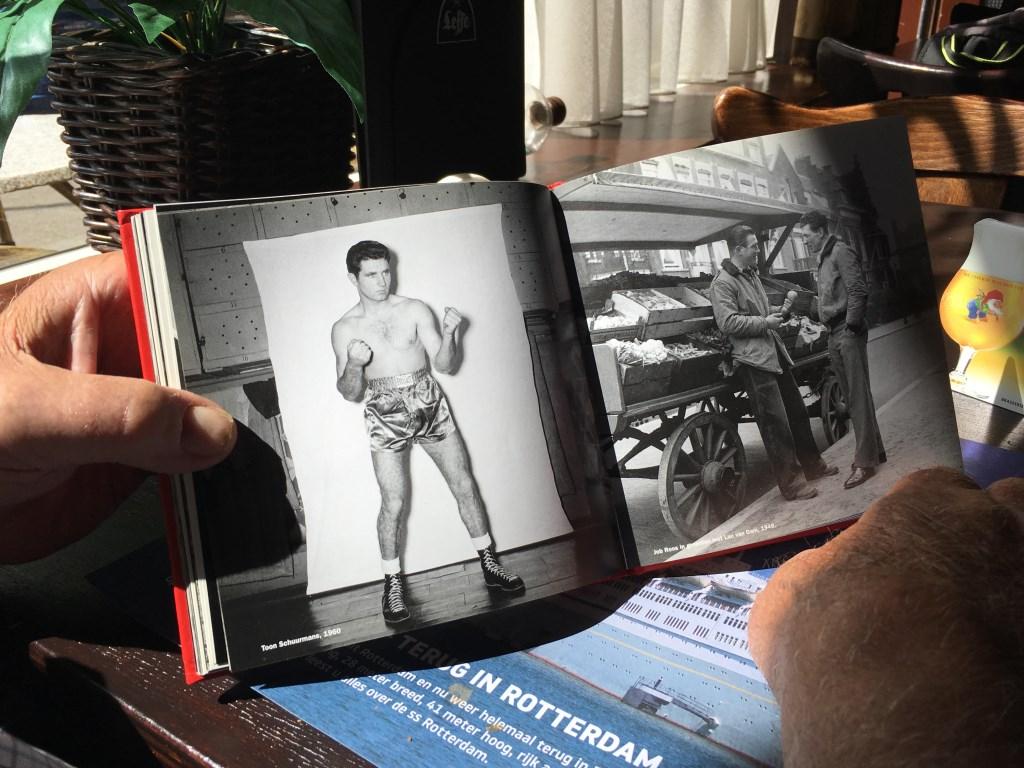 Het legendarische boekje Boks bevat foto's van Kees Molkenboer.     © DPG Media