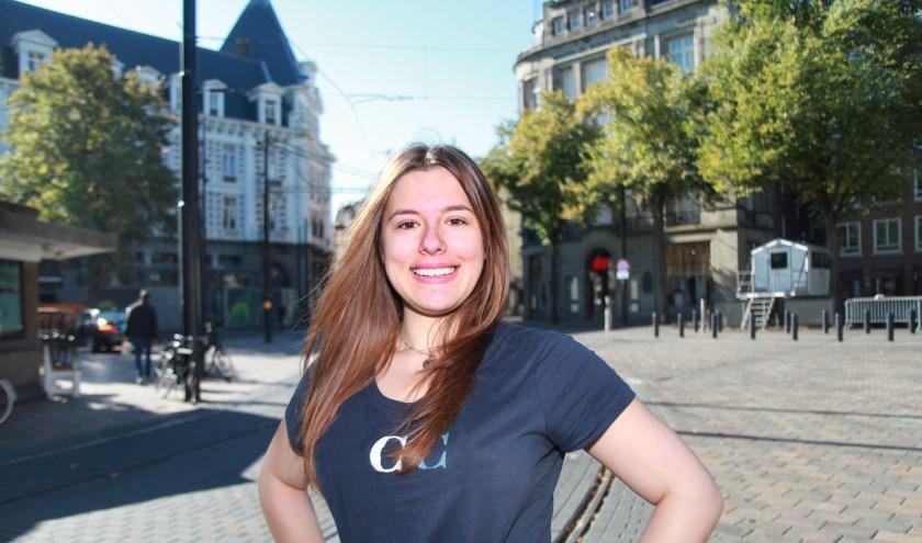 Denitsa vindt dat ze zich in Den Haag heeft ontwikkeld tot een zelfstandige jonge vrouw (Foto: Peter van Zetten)
