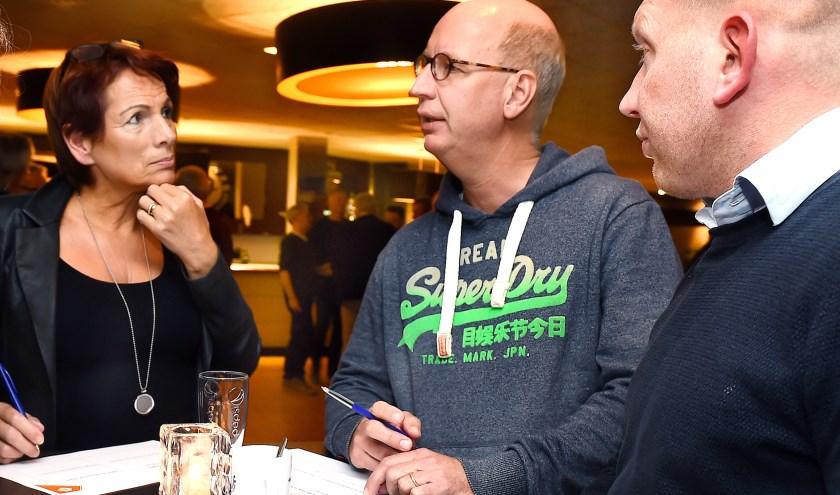 Vlnr: Ans Lepouter (DZC'68), Jan Hafkamp (RKS Driel) en Joost Heuvels (VV Gendringen). (foto: Roel Kleinpenning)