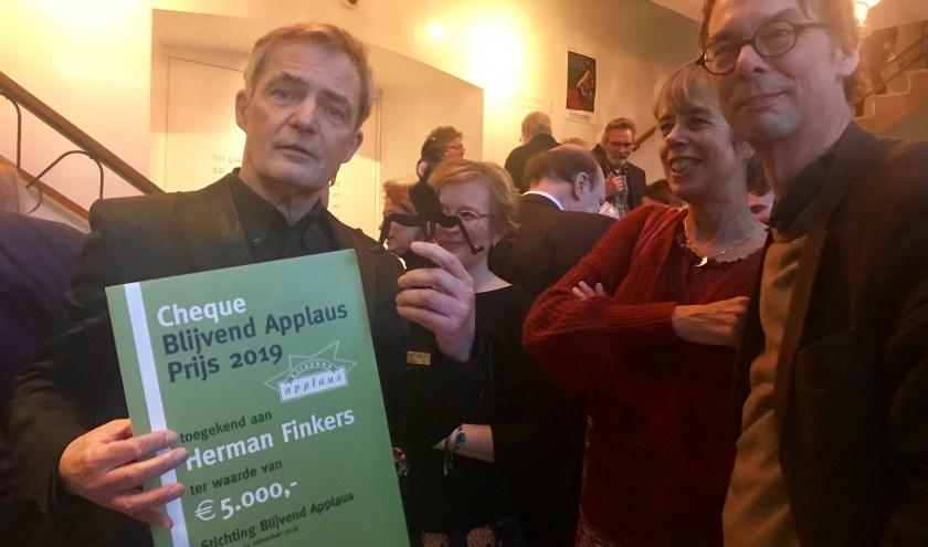 Herman Finkers met de Blijvend Applaus Prijs 2019