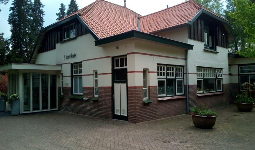 Hospice Noetsele is gevestigd in het voormalig koetshuis van het sanatorium en biedt mensen de gelegenheid waardig en rustig te sterven, omgeven door hun geliefden.