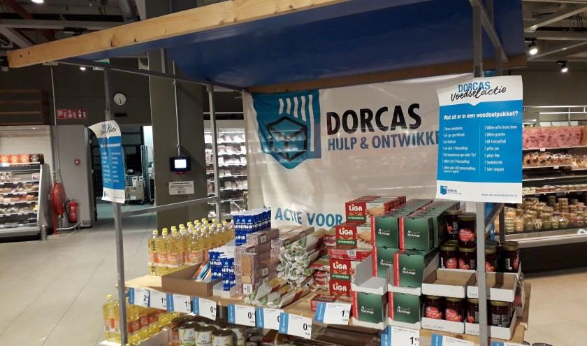 Duizenden vrijwilligers in heel Nederland hielpen tijdens de Dorcas Voedselactie mee om voedsel en geld in te zamelen voor de allerarmsten. Voedselactie