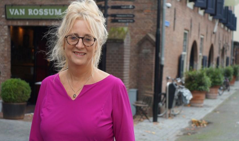 Monique Verheyen van STERK Woerden is trots op Woerden, op wat er allemaal gebeurt en hoe het zich ontwikkelt..