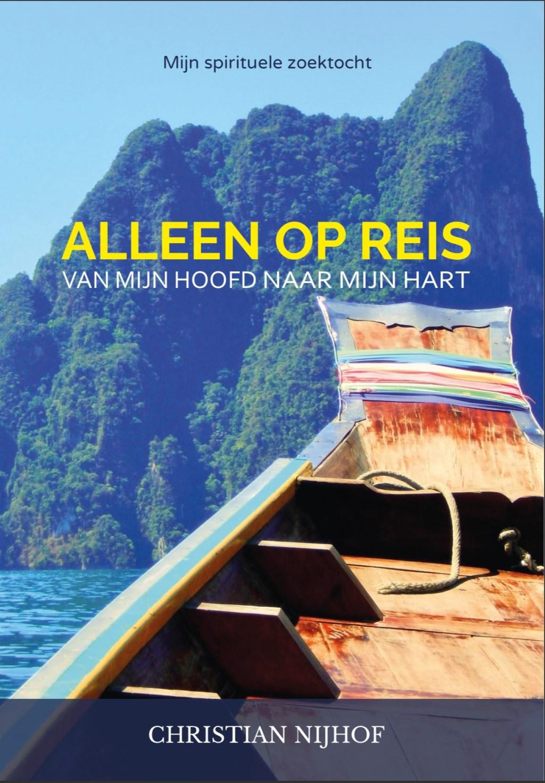 voorkant het het boek Alleen op reis  © DPG Media