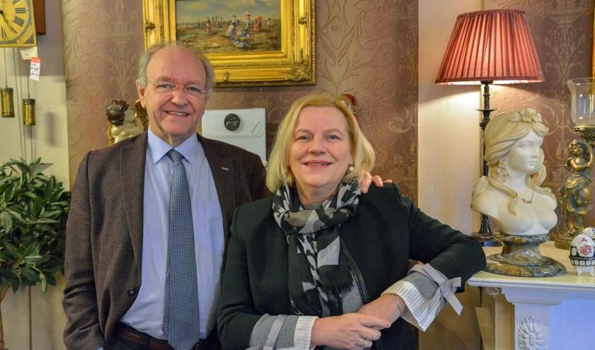 Cor en Els Wiegand Bruss sluiten op 24 december definitief hun juwelierszaak in Montfoort.   (Foto: Paul van den Dungen)
