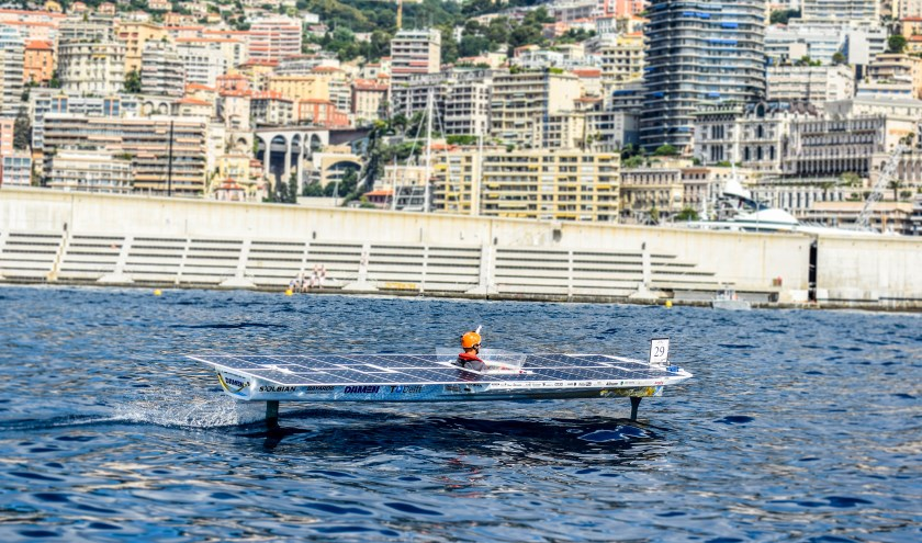 De TU Delft zonneboot in actie tijdens de Monaco Solar Spot One race in 2018 - © Solar Boat Team 2018