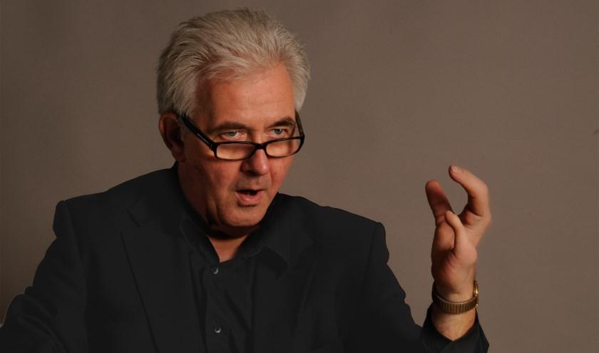 Het geheel staat onder leiding van dirigent Tom Suters.