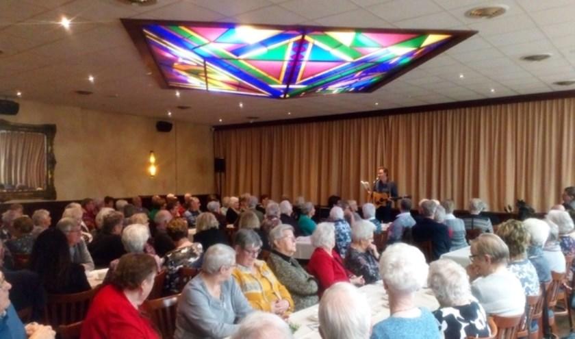 De eerste ontmoetingsmiddag, die in maart van dit jaar werd gehouden, was een groot succes. (foto: PR)