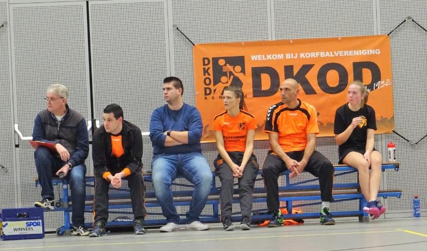 DKOD zal ook komend seizoen met een eerste team de competitie ingaan. Het team, dat ook weer gecoacht zal worden door Jaap Jochems (op archieffoto tweede van links), zal echter alleen nog in de zaalcompetitie gaan spelen.
