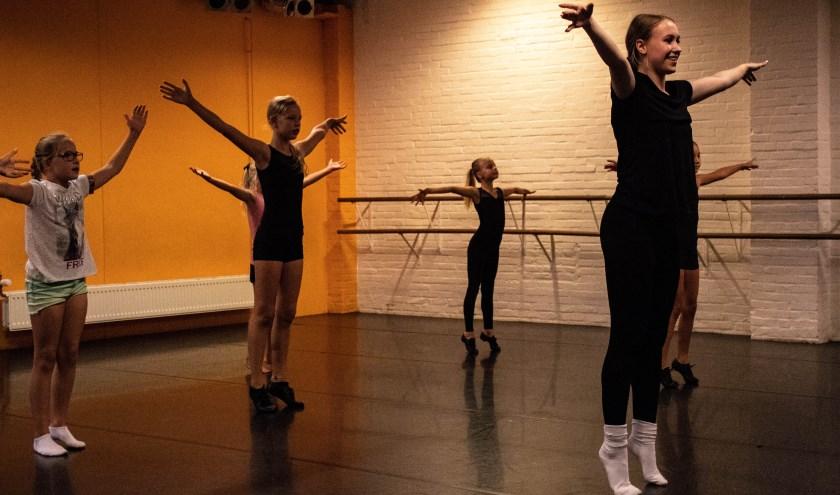 Iedere donderdag en zaterdag is Carmen te vinden in de studio's van Focus. Daar geeft ze les aan kinderen, tieners en volwassen.