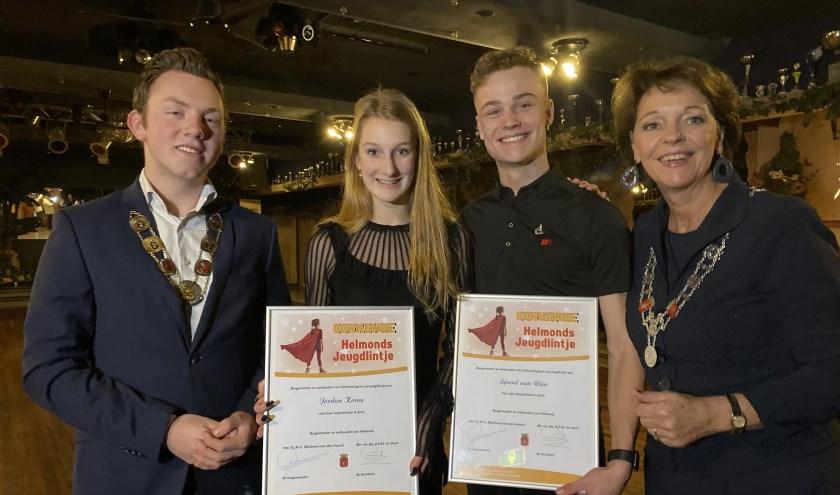 De winnaars van de jeugdlintjes, links Jordan Koene en Sjoerd van Rijn.