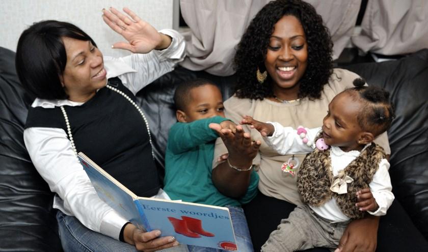 VoorleesExpress Rotterdam helpt met taalontwikkeling in gezinnen met kinderen van 2 t/m 8 jaar
