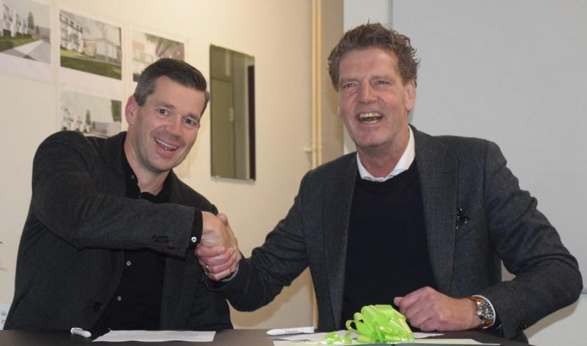 Directeur-bestuurder John Olde Olthof van Reggewoon en algemeen directeur Jan van den Berg van Hemink Groep. (Eigen foto)