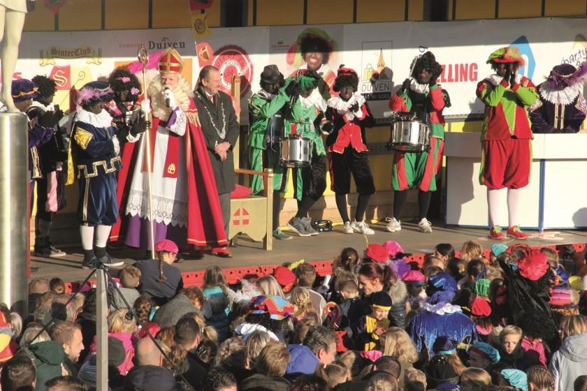 Een foto gemaakt tijdens de intocht van Sinterklaas in Duiven vorig jaar.