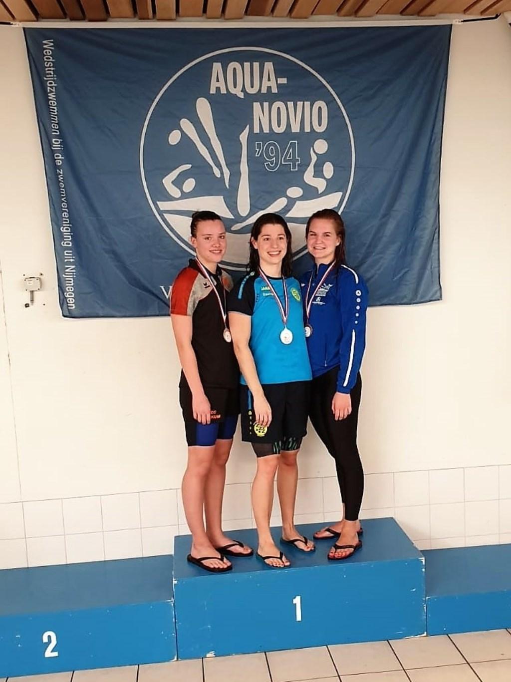 RZC-zwemster Linda van Duinhoven zwom op de 50 meter vrije slag naar een zilveren medaille. Foto: RZC © DPG Media