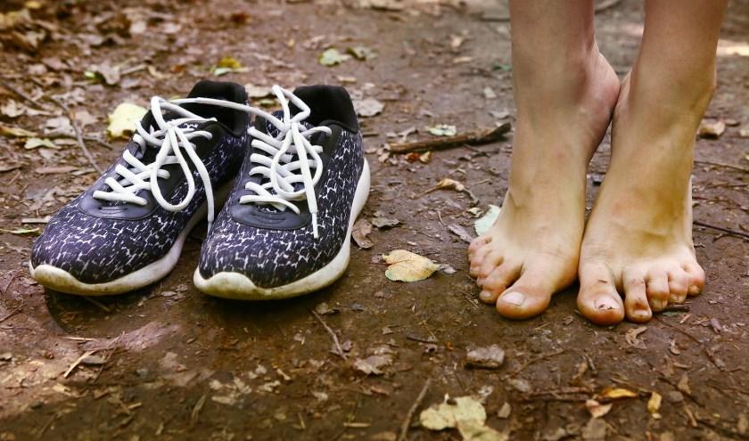 Schoenen uit en wandelen maar. (Foto Geldersch Landschap & Kasteelen)