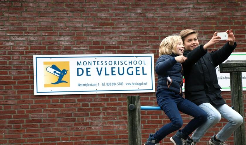 Pepijn en Hidde vloggen over hun school. Foto: Marsja Haanstra
