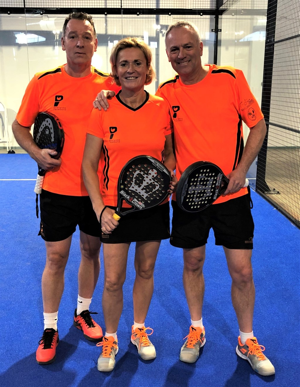 EK-internationals Fred van Ruissen, Ina van Lavieren en Jack Engelaar. Foto: Nederlandse Padelbond © DPG Media