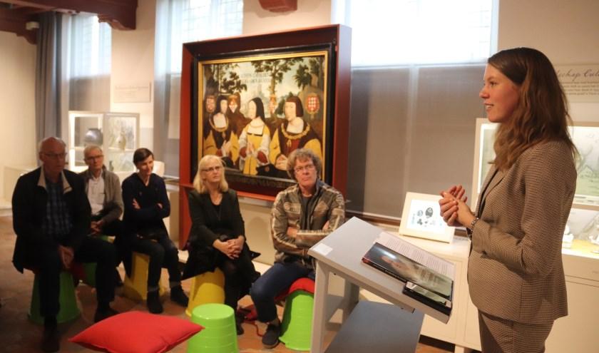Auteur Margot Leerink presenteerde haar boek in het Weeshuis over de schilderkunst in Culemborg