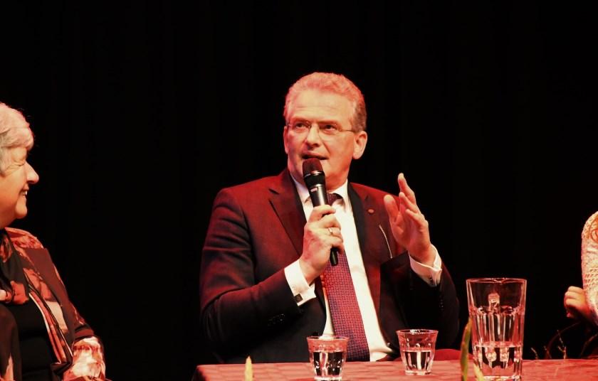 Roelof Bisschop tijdens zijn presentatie.