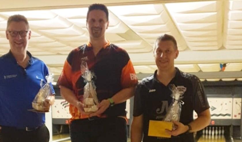 Winnaars van het BVVeldhoven toernooi: van links naar rechts 2e René Isbouts - 1e Half Hubbers - 3e Stefan de Cock