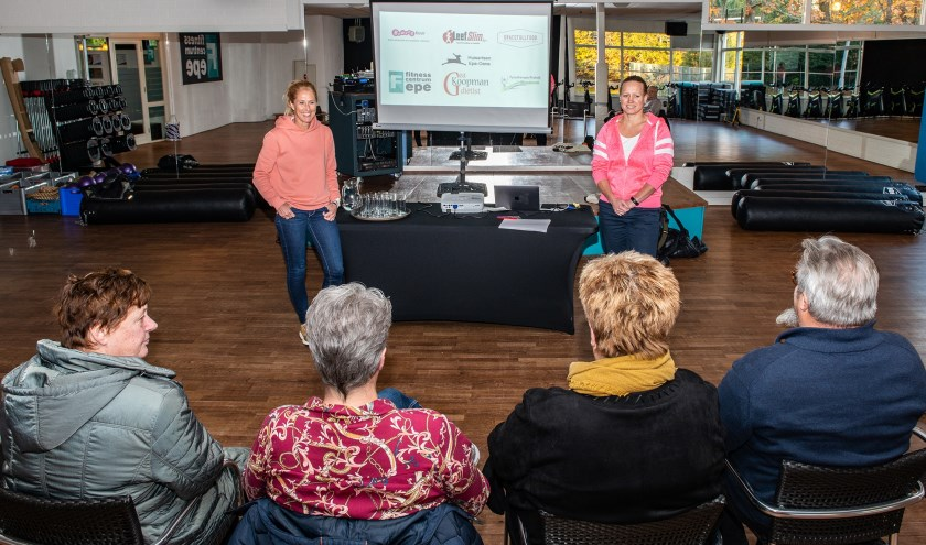 Coöperatie Huisartsen Epe-Oene houdt maandelijkse groepssessies aan tientallen Epenaren die gezonder willen gaan leven. (foto: Dennis Dekker)
