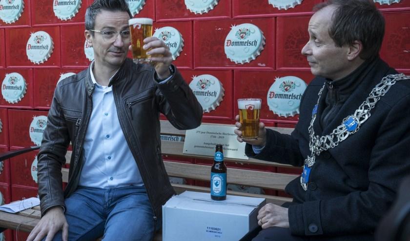 """Burgemeester Ederveen: """"Als gemeentebestuur zijn we bijzonder trots op de Dommelsche bierbrouwerij."""""""