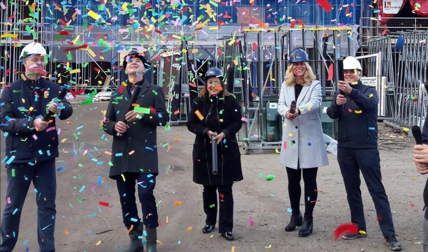 Champagne en confetti bij bereiken hoogste punt