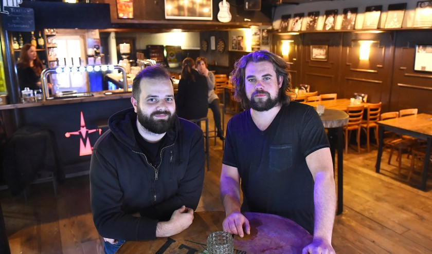 Dominic Groot Bruinderink (links) en Tom Wonnink. (foto: Roel Kleinpenning)