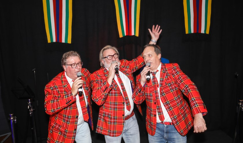Ben Goede, Mart van Bremen en Jan Looymans zijn winnaar geworden van de Helmondse Carnavalskraker.